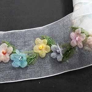 סרט אורגנזה עם פרחים
